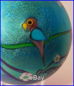 A RAVISHING Vintage 1979 ORIENT & FLUME FLORAL with PARROT Art Glass Paperweight