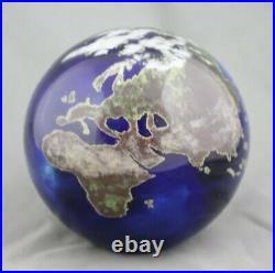 Nice Signed vintage Lundberg studios art glass globe world paperweight 1996