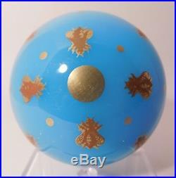 PHENOMENAL & Vintage BACCARAT OPALINE AGATE HONEYBEE Motif Art Glass PAPERWEIGHT