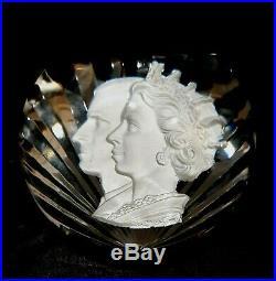 Vintage 1953 Baccarat Queen Elizabeth II Sulfide Cameo Coronation Paperweight