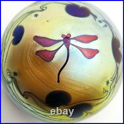 Vtg LUNDBERG STUDIOS DRAGONFLY PAPERWEIGHT 2 3/4 1979 GOLD, STARS, LILY PADS